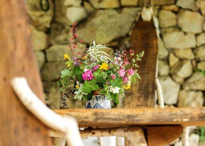 flowers_rustic_650x433